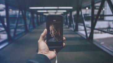 Περάστε τους χρονοβόρους ελέγχους στο αεροδρόμιο με μια selfie