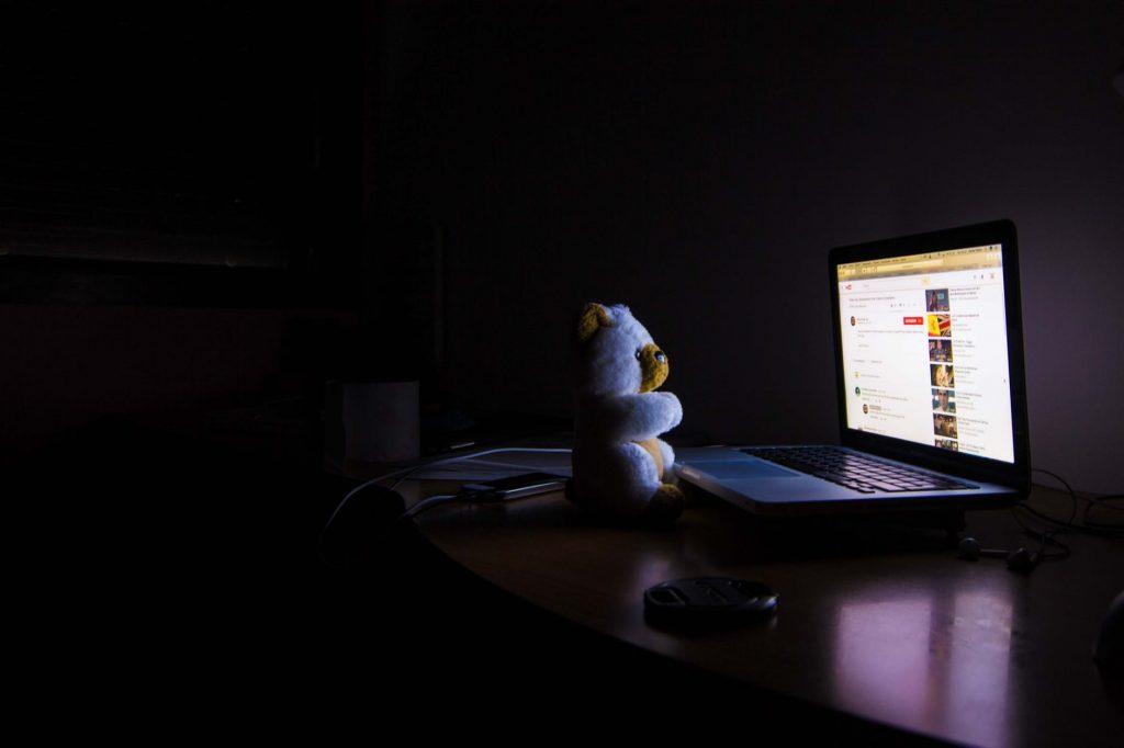 night-laptop