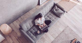 Τηλεργασία: 10 ψαγμένα gadgets για το απόλυτο home office