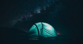 Διακοπές σε Camping: Τα Smart Gadgets που θα χρειαστείς